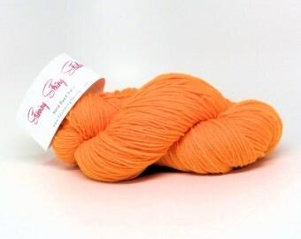 Stunning Superwash Fingering Weight - 100% Superwash Merino - Orange-sicle 100 g - 475 yds
