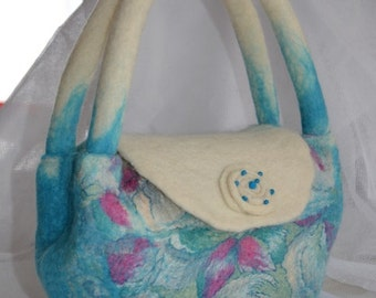 Handbag made of felt in turquoise