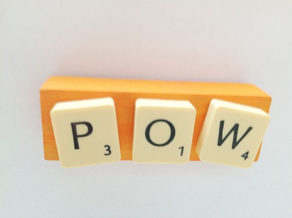 Upcycled fridge magnet - Recycled board games - POW