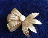 Vintage Coro Gold Bow Brooch