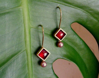 Gold Earrings with Garnet and pearls