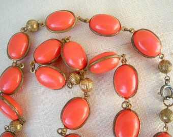 30s 40s statement necklace / salmon coral orange vintage beads / etched brass chain / boho beaded unique 25 long