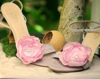 Pink Floral Shoe Clips. Ivory Pure White Olive Fuschia Silky Flower & Silver Beads. Summer wedding bride bridal couture, feminine bling glam
