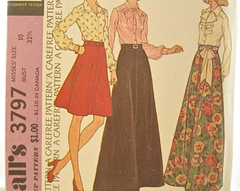 1970s McCalls 3797 Bow Blouse and Skirt Vintage Sewing Pattern Bust 32 Statement Collar