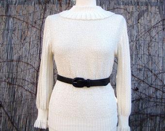 Vintage 80s / Sportiva / Cream / Ruffle Sleeve / Turtle Neck / Sweater / MEDIUM