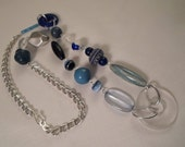 Vintage / MODERNIST LUCITE NECKLACE / Pendant / Choker / Frosted / Blue / Trendy / Fashionista / Hip / Memphis / Artisan / Chic / Accessory