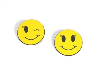 Girly Smiley Face OR Wink Button with Eyelashes