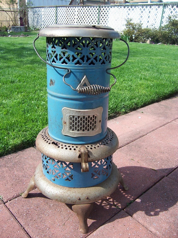 Antique 1913 Perfection Kerosene Oil Portable Space Heater