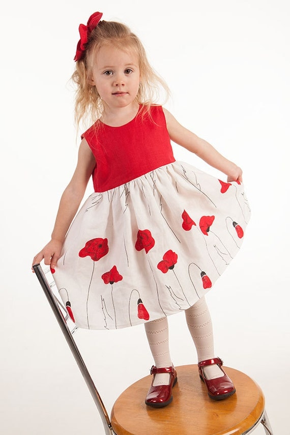 Popees is an organic certified kids wear brand that produces beautiful,natural and inspiring baby's cloths while caring for our kids and environment.