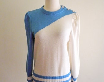 Bold ASYMETRICAL two-tone 80s sweater with button shoulder sz. XS / Small / Medium