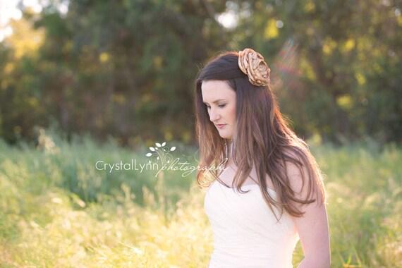 Gold flower comb - Bridal hair comb - Bridal flower comb - Flower hair accessories - Gold hair comb - Gold flower headpiece - Hair comb