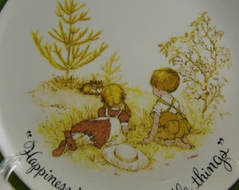 50% off clearance sale! vintage Holly Hobbie decorative plate, watching the bunnies