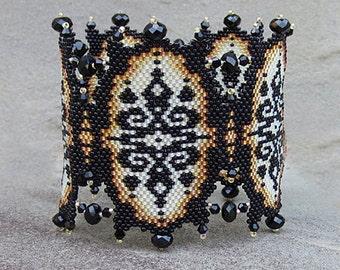 Ivory Lace Pattern