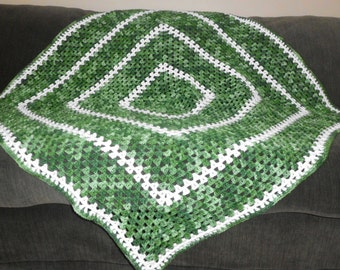GREEN, GREEEEEN and WHITE afghan/lapghan/blanket/throw