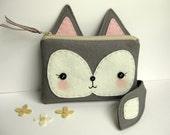 Foxy Little Pouch in Gray