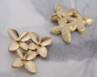 4 pcs. vintage gold tone flower charms 16x15mm - f4048