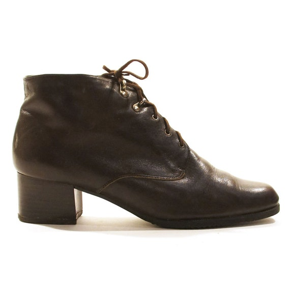 Lace-up boots are a versatile addition to any shoe collection. Flat designs in neutral colours offer unrivalled versatility, while stiletto-heeled designs are a contemporary choice. Look to quality leather constructions to ensure your boots reward you season after season, or pick PU styles for a more affordable option.