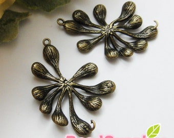 CH-ME-03296 - Nickel Free, Antique Brass, Flower buds charm, 4 pcs