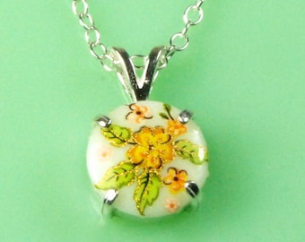 Vintage 1940s Yellow Flower Lucite Button Necklace