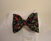 Christmasy berries bow tie