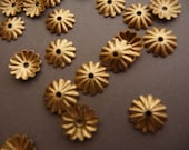 20 Brass Fluted Medium Ridge 8 mm Bead Caps (20)