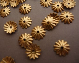 20 Brass Fluted Medium Ridge 8 mm Bead Caps