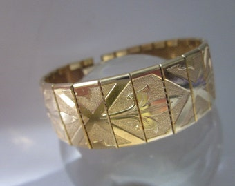 Vintage Bracelet goldtone mesh with geometric and leaf design