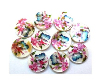 10 Shell buttons floral ornament beautiful design in blue and pink 11.5mm GREAT for button jewelry