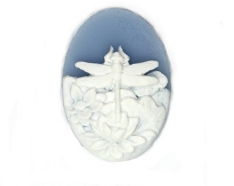 Plastic Cameos 25x18mm Dragonfly and Flowers Blue / White (4) IC093