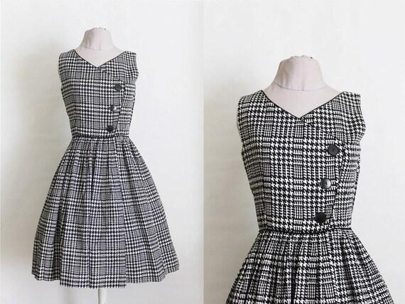 Vintage 1950s Houndstooth Dress / 50s Black and White Dress / The Audrey Hepburn Dress