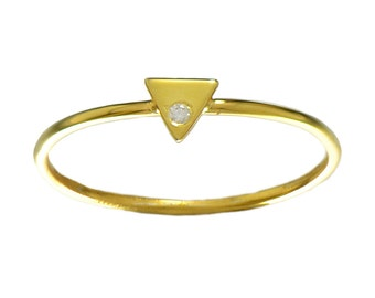 Gold Triangle Modern Ring // Geometric Setting on a Thin, Dainty Gold Vermeil Band