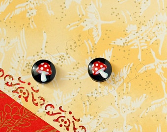 Sale - 10pcs handmade red mushroom on black round clear glass dome cabochons 12mm (12--9993)