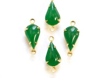 Vintage Jade Green Glass Teardrop Stone 2 Loop Brass Setting par003FF2