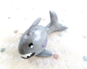 Mini Marble Great White Shark In Icy Gray Silver