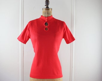 1970s Bright Red Short Sleeved Shirt with Double Keyhole - size medium