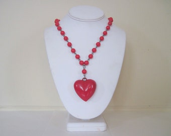 Heart Shaped - vintage 1980s Red Beaded Necklace