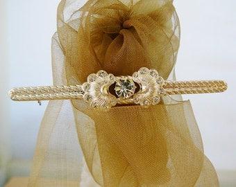 Vintage .. Brooch, Rhinestone Silver Tone Bar Pin wedding bridal party