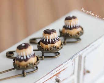 Chocolate Religieuse Brooch - Miniature Food Jewelry