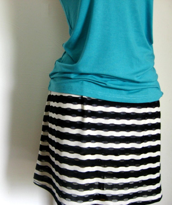Black and White Zebra Striped Stretch Knit Skirt, Above Knee Striped Stretch Knit Skirt, Black White Mini Stretch Skirt, Zebra Mini Skirt