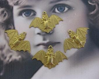 Natural Raw Brass Small Bat Charms  2135RAW x4