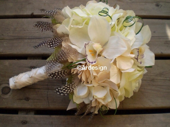 CREME GLACEE Wedding Bouquet  With Guinea Feather Collar
