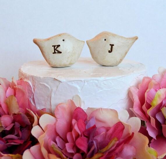 Wedding cake topper / Custom cake topper / Custom monogram initials / Personalized birds for your wedding cake / personalized cake topper