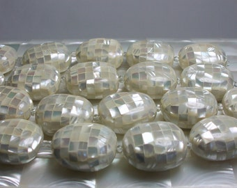 Mosaic Mother of Pearl Beads, Shell Beads, Puffed Beads, Jewelry Supplies, 5pc Strand, White, Iridescent