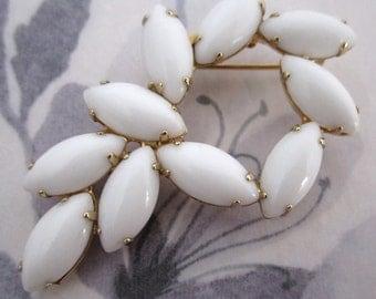 vintage prong set white milk rhinestone brooch - j5122