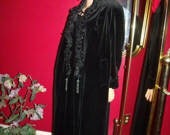 Vintage  Black Velvet Opera  Jacket  Coat Flapper Evening Holiday  G. Gatsby style