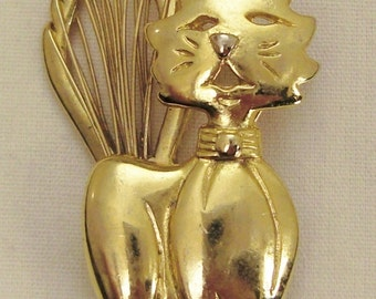 Vintage CAT  BROOCH  goldtone Jewelry Signed SFJ. bow fluffy tail app 2 x 1