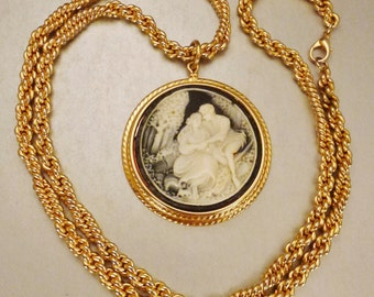 WEDDING CAMEO Necklace Pendant Goldtone CHAIN molded Courting Couple thermoplastic 30 in long 2 in diam in
