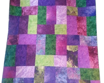 Throw Quilt in Green and Purple Stonehenge Fabrics