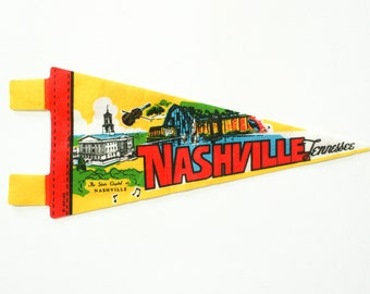 vintage 60s Nashville Tennessee felt souvenir pennant / travel pennant / banner / small gift