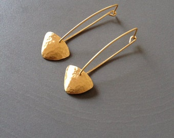 Yellow Gold Earrings with Curved Hammered Triangle
